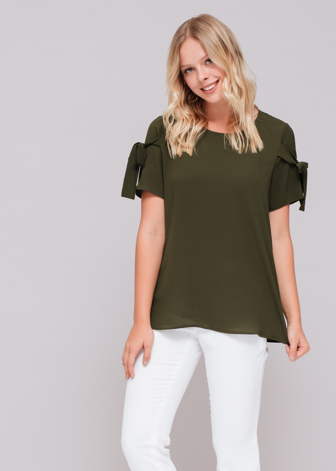 Short Sleeve Tee with Bows Solid